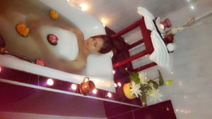 oil massage and bubble spa