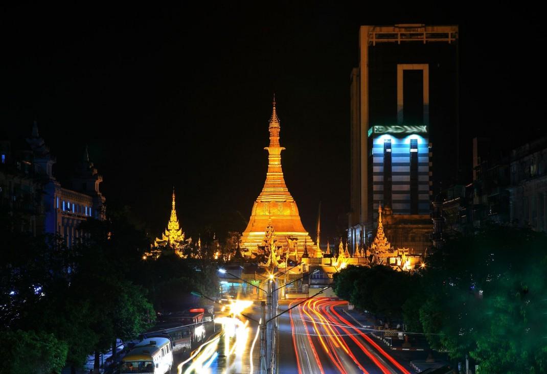 sule-pagoda-1070x732